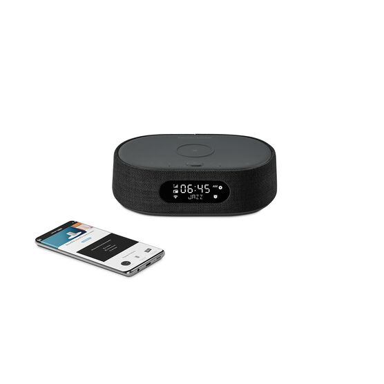 Harman Kardon Citation Oasis DAB - Black - Voice-controlled speaker with DAB/DAB+ radio and wireless phone charging - Detailshot 1